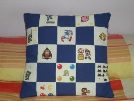 Classic videogames cushion by TheSewingBox