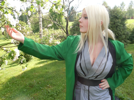 Tsunade and Pretty Flowers by ElectricRosez