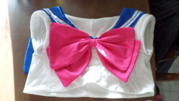 Front Sailor Moon Bow!!! by theelysianproject