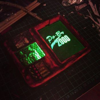 Pip-Boy 2000 hand made by MonoAbel