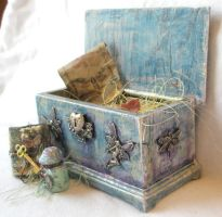 Miniature Fairy Magic Chest by grimdeva