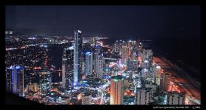 Gold Coast by night by gdab008