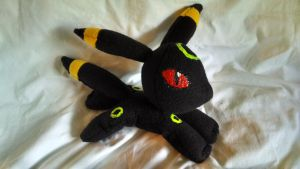 Umbreon Beanie Plushie (Pic 1) by KahleyCreations