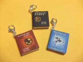 Hunger Games series charms by manditaaknfv