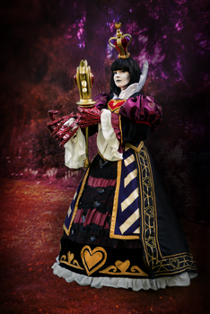 Queen - Alice Madness Returns by Cat-sama