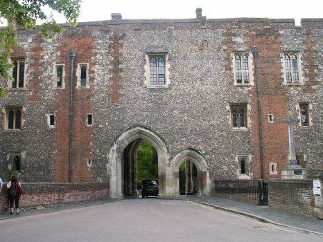 St Albans Abbey Gatehouse by faeriesoph