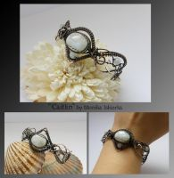 Caitlin- wire wrapped bracelet by mea00