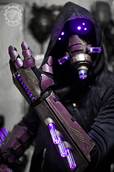 The summoner - light up cyberpunk gauntlets + mask by TwoHornsUnited