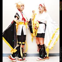 Rin and Len: Vocaloid by xOxAmmAxOx