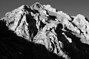 Unnamed Peak, McGee Canyon by shubat
