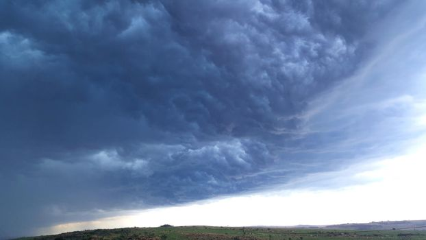 storm clouds 1 by Taylorsphotos