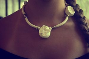 white necklace3 by neexa