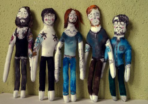 Plush Dolls: Dry The River by Xperionity