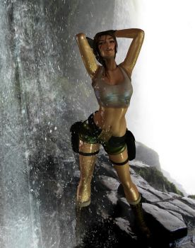 pacific coasts Lara Croft  enjoying the cool water by 7ipper