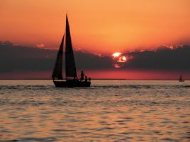 Sailing on Lake Ontario by j-a-x