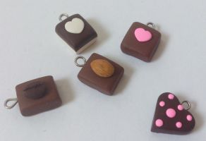 Chocolate charms by RoOsaTejp