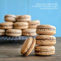 Cocoa macaroons with chestnut cream by Pokakulka