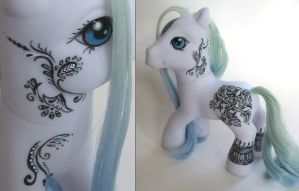 Henna pony 2 by trillions