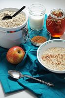 apple cinnamon oatmeal by courey