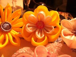 kanzashi yellow flower by curlytopsan