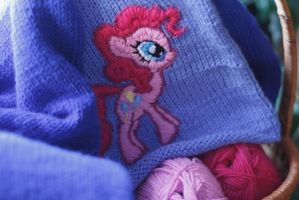 Embroidery example: Pinkie Pie by Duklida