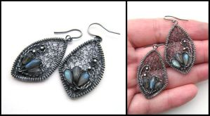 labradorite earrings by annie-jewelry