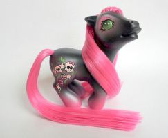 ~* Morta *~ A G3 custom pony by hannaliten
