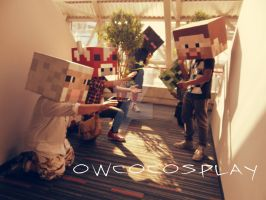 STEVE! GIVE EM FOOD! Minecraft cosplay by Owcocosplay