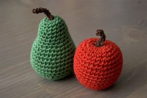 Amigurumi pear and apple by Sandien