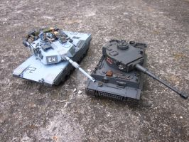 1/35 Tiger and Abrams  comparison by enc86