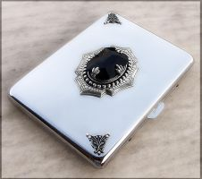Cigarette Case by Aranwen