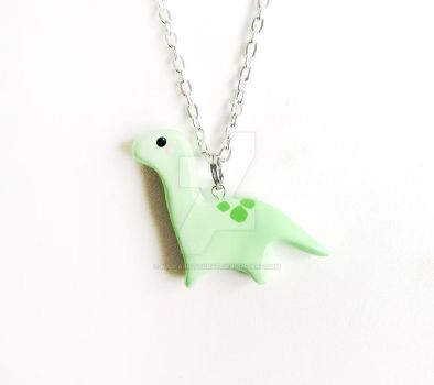 Green Apatosaurus Necklace by mAd-ArIsToCrAt