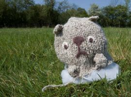 Disapointed Knitting Bear by Shrewlet