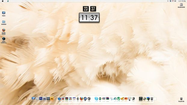 Feather Desktop by nanatrex