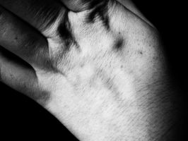 hand_3 by AllieSbabbs