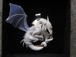 Dragon in Gold and Silver in dark... by hodryronja