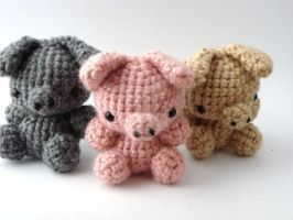 Three Little Pigs by MoonYen
