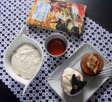 Discworld cupcakes: Granny Weatherwax by Efreet-in-the-Oven