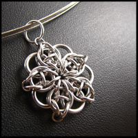 Celtic Star Pendant by redpandachainmail