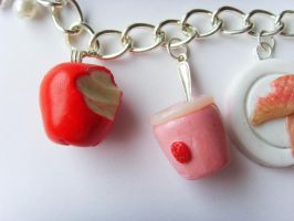 11th Doctor Who Food Bracelet 2.0 - Close by tyney123