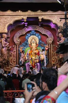 Lalbaug cha Raja by praths