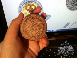 Doctor Who Fob Watch Papercraft Closed by HellswordPapercraft