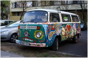Hippie Bus by shenanigan87