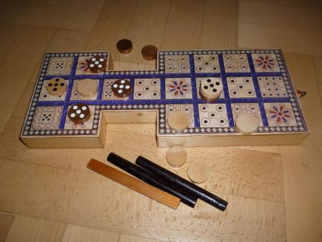 Royal tomb game of Ur - new board and pieces by Skiryuk