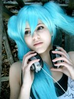 Miku ::Vocaloid:: by twistedup