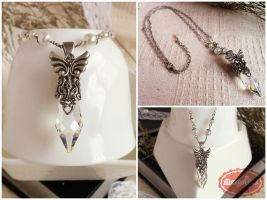 Vintage Silver Crystal Necklace by uenkii