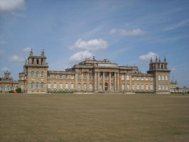 Blenheim Palace by loobyloukitty