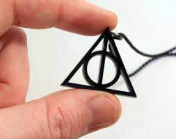 Harry Potter Deathly Hallows by milkool