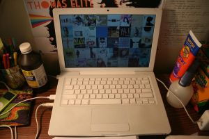 MACBOOK by trigger-r
