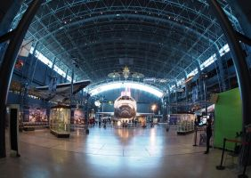 Shuttle Discovery by lidarman